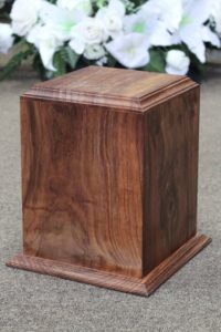 FW0606 Walnut Urn